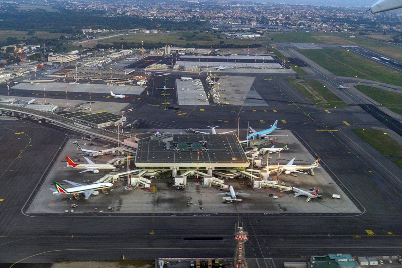 Rome Fiumicino Airport counts with two operative terminals at the moment: Terminal 1 and Terminal 3.